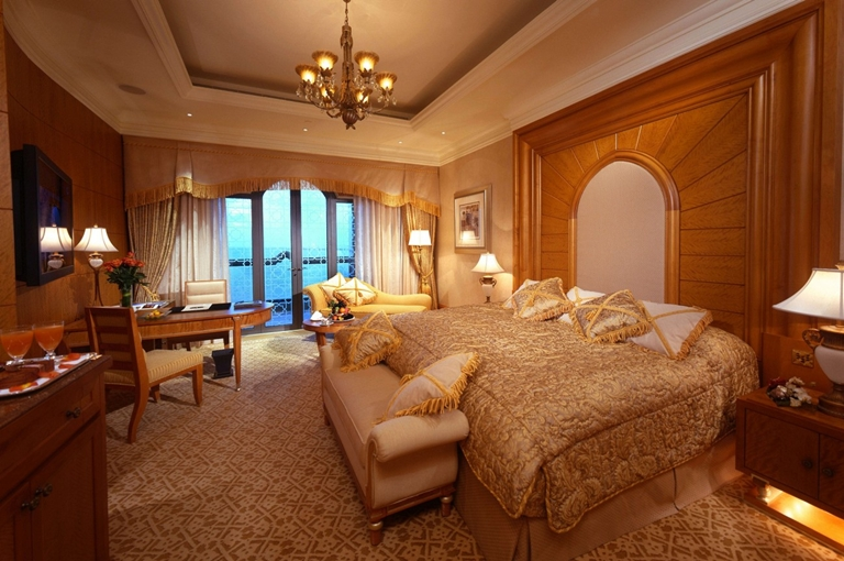 SetWidth1300-Abu-Dhabi-Diamond-Room