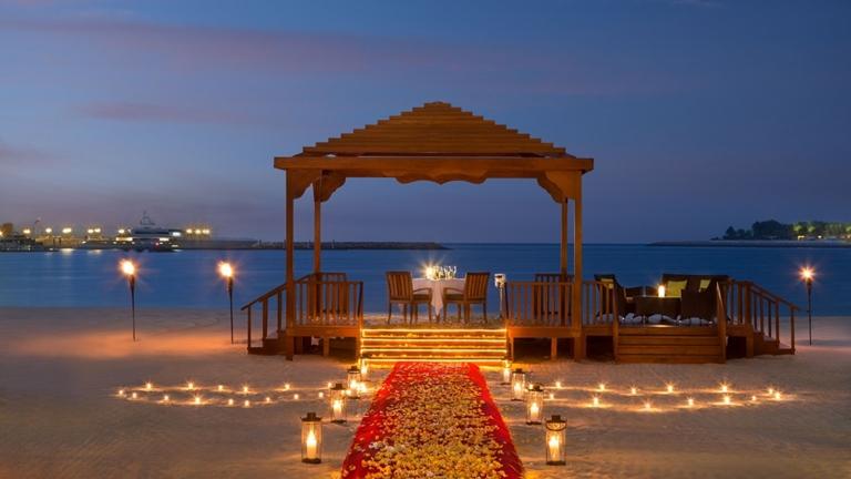 SetWidth1300-Romantic-Dining-BBQ-Al-Qasr