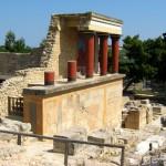 Knossos - symbol kultury minojskiej czy archeologiczny Disneyland?