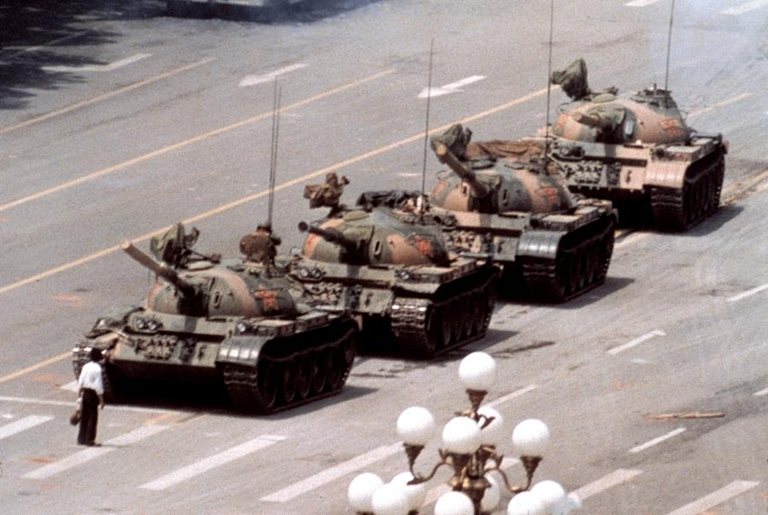 5050858-jeff-widener-tiananmen-1989-900-603