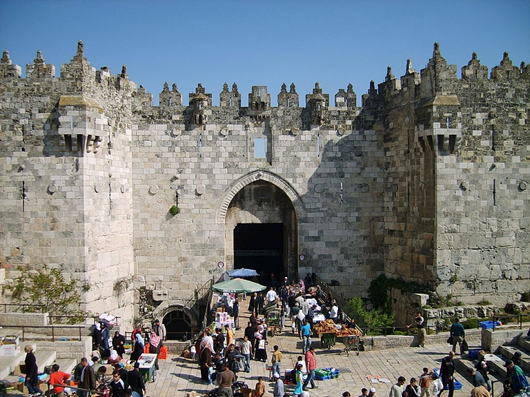 ttt1024px-Damascus_Gate_April_2007