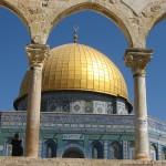 Wzgórze Świątynne w Jerozolimie - miejsce, gdzie spotykają się trzy religie