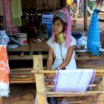 Z wizytą uplemienia Padaung (Długie Szyje)